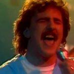 Levelet kaptam, lájf! Kiderült, mit mond valójában az énekes, és itt vannak a 80-as 90-es évek nagy félrehallásai: