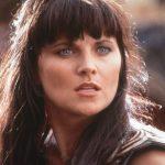 Emlékszel Xenára, a harcos hercegnőre? Túl az 50-en is irigylésre méltó formában van: