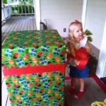 A kislány egy óriási ajándékot kapott születésnapjára: ám álmában sem gondolta volna, hogy pont ez lesz benne
