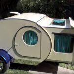 Egyszerű kis lakókocsinak tűnik, de kívül-belül olyan páratlan, hogy már több mint 15 millióan látták a neten